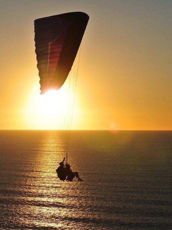 paragliding-918721_1280